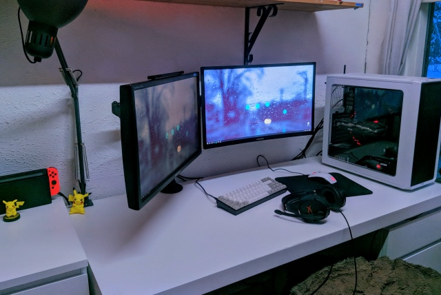 PC_Desk_144_28.jpg