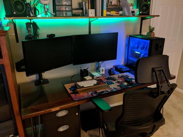 PC_Desk_144_34.jpg