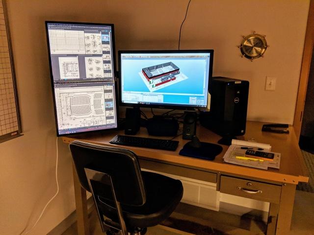 PC_Desk_144_37.jpg