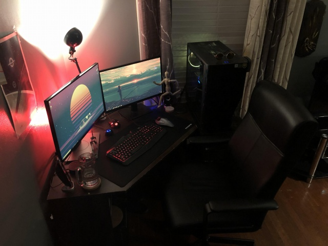 PC_Desk_144_38.jpg