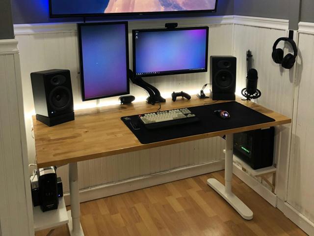 PC_Desk_144_39.jpg
