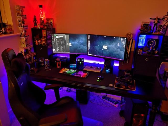PC_Desk_144_57.jpg