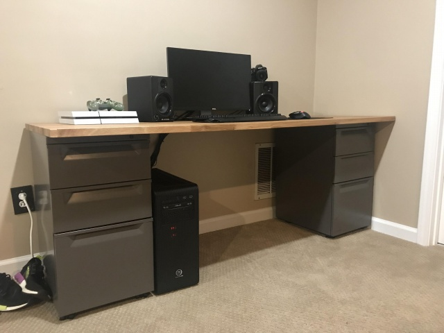PC_Desk_144_78.jpg