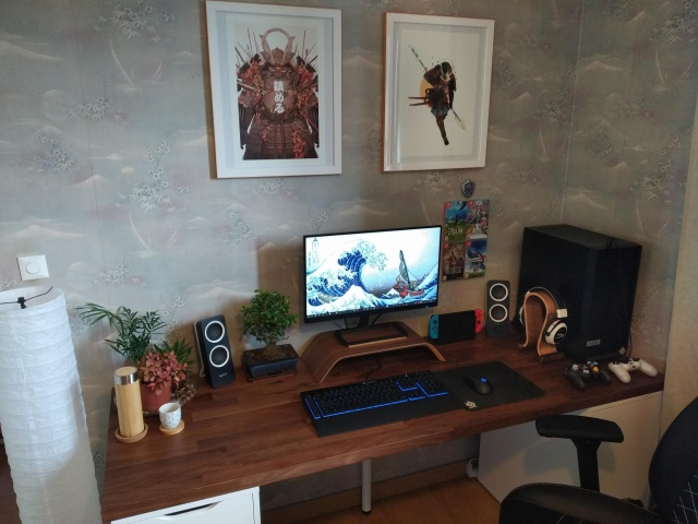 PC_Desk_145_02.jpg