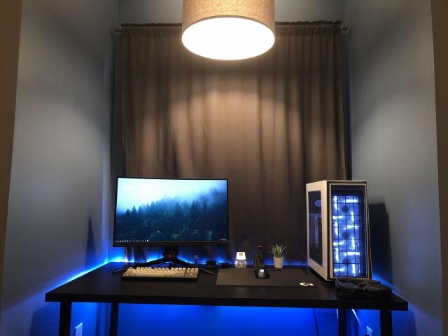 PC_Desk_145_15.jpg