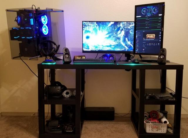 PC_Desk_145_20.jpg