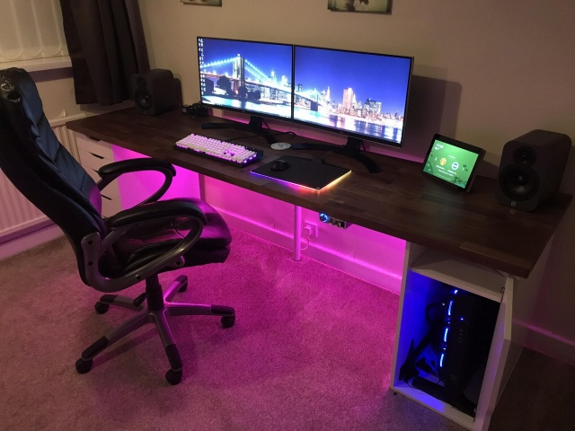 PC_Desk_145_45.jpg