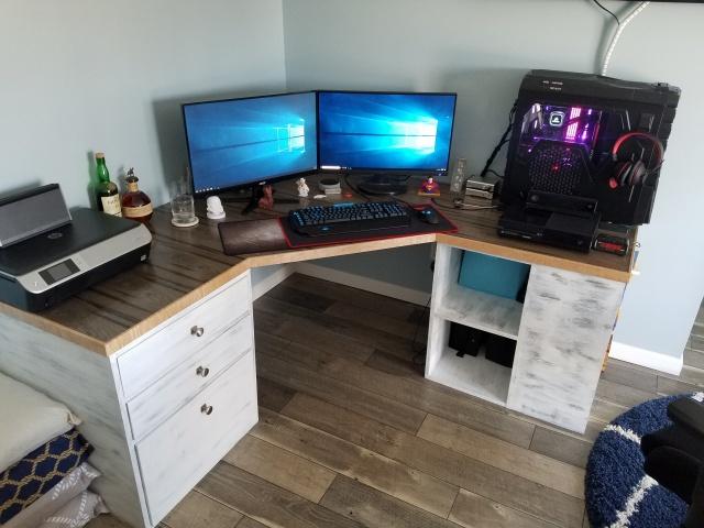PC_Desk_145_52.jpg