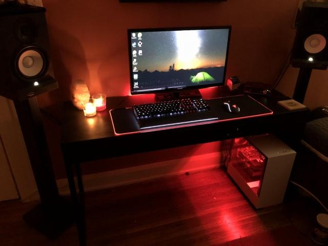 PC_Desk_145_72.jpg