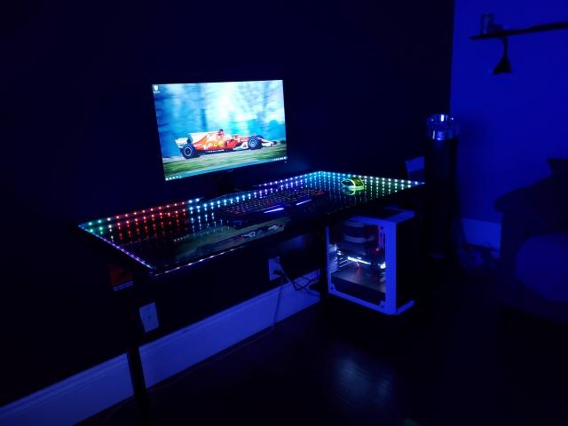 PC_Desk_146_07.jpg