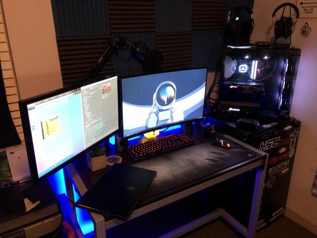 PC_Desk_146_28.jpg
