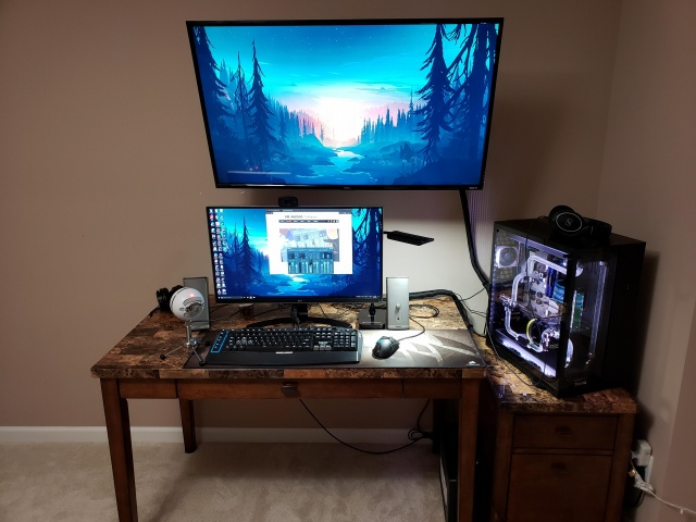 PC_Desk_146_57.jpg