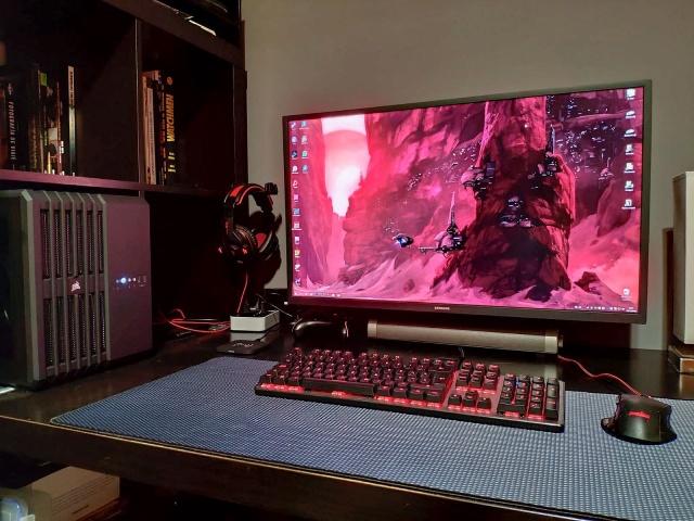 PC_Desk_146_68.jpg