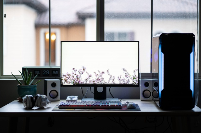 PC_Desk_146_70.jpg