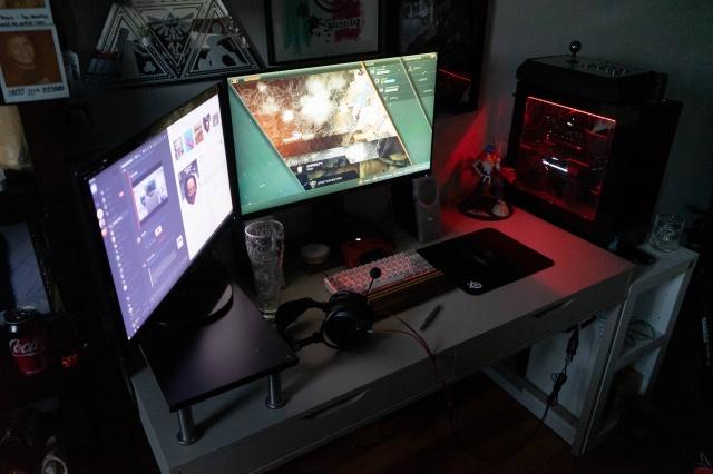PC_Desk_146_87.jpg