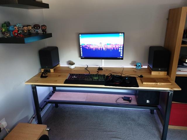 PC_Desk_146_98.jpg