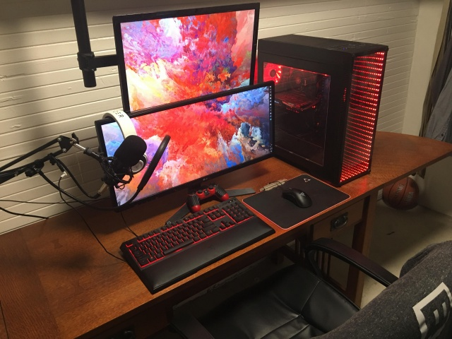 PC_Desk_UltlaWideMonitor36_47.jpg