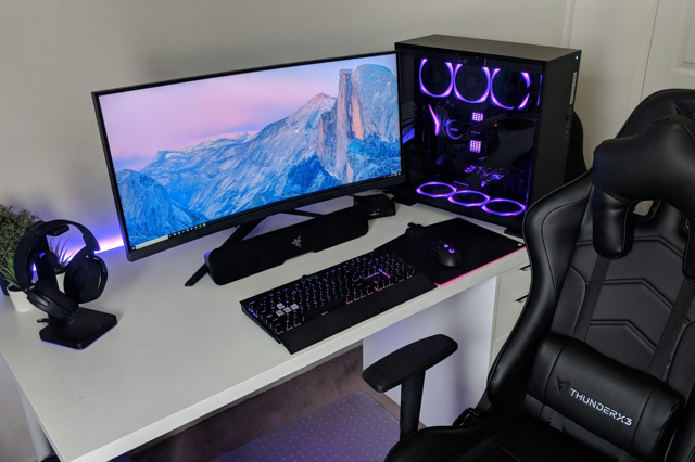 PC_Desk_UltlaWideMonitor36_69.jpg