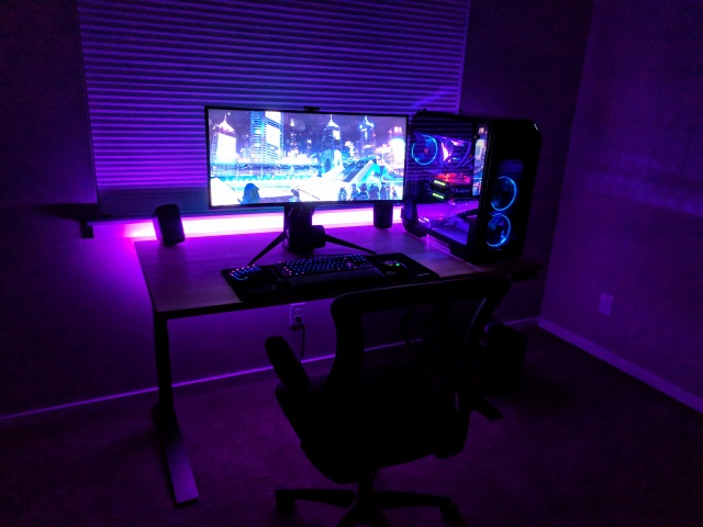 PC_Desk_UltlaWideMonitor36_77.jpg