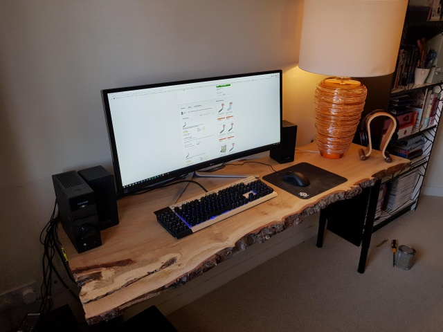 PC_Desk_UltlaWideMonitor36_92.jpg