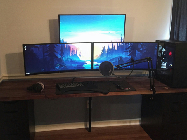 PC_Desk_UltlaWideMonitor37_02.jpg