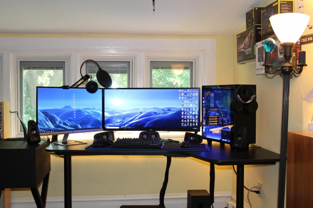 PC_Desk_UltlaWideMonitor37_16.jpg