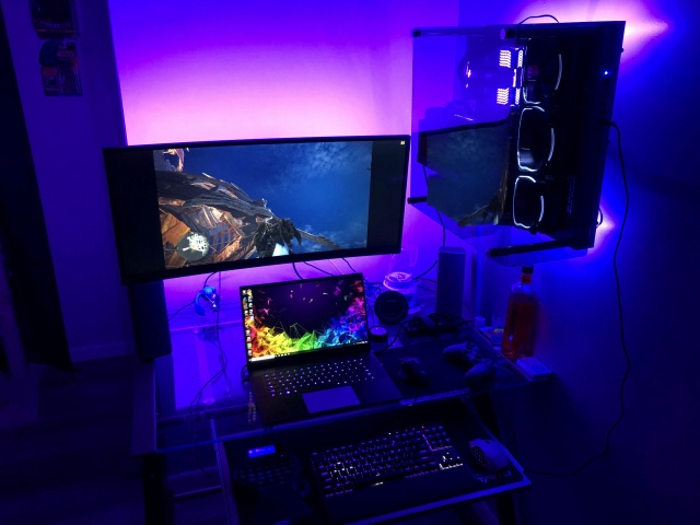PC_Desk_UltlaWideMonitor37_39.jpg