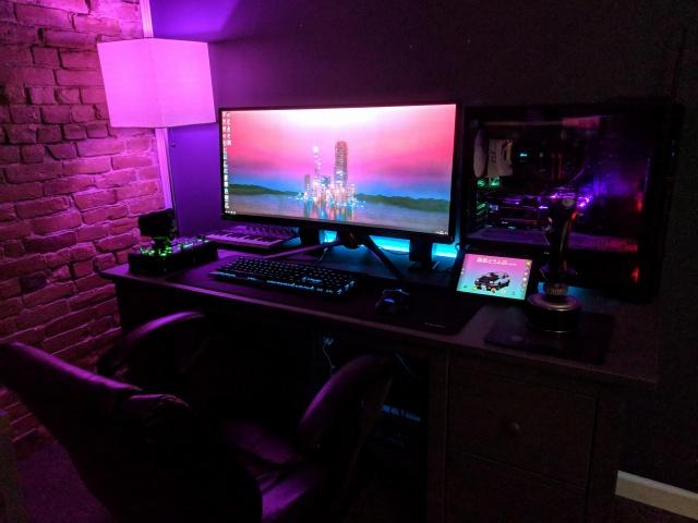PC_Desk_UltlaWideMonitor37_53.jpg