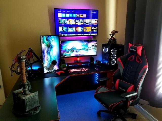 PC_Desk_UltlaWideMonitor37_63.jpg