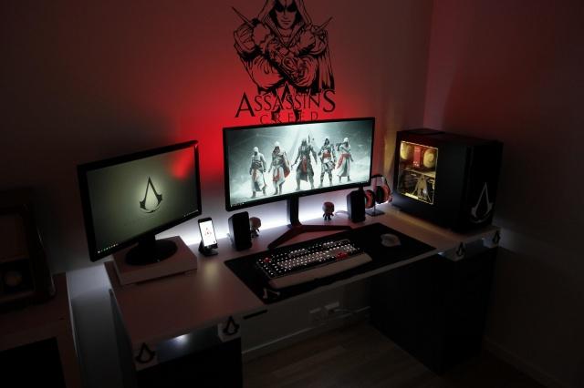 PC_Desk_UltlaWideMonitor37_65.jpg