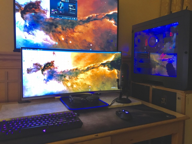 PC_Desk_UltlaWideMonitor37_66.jpg