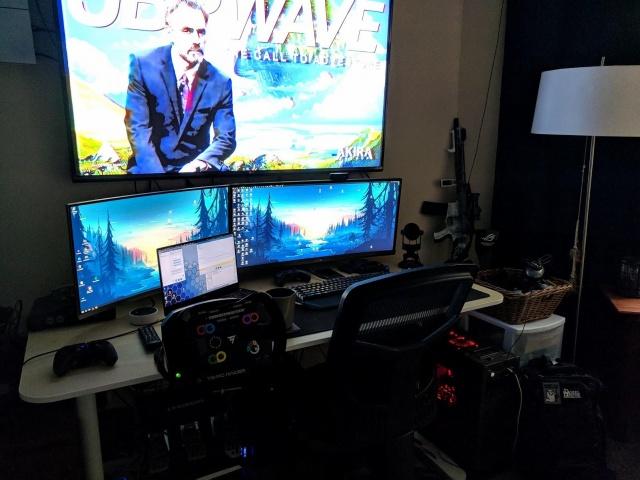 PC_Desk_UltlaWideMonitor37_67.jpg