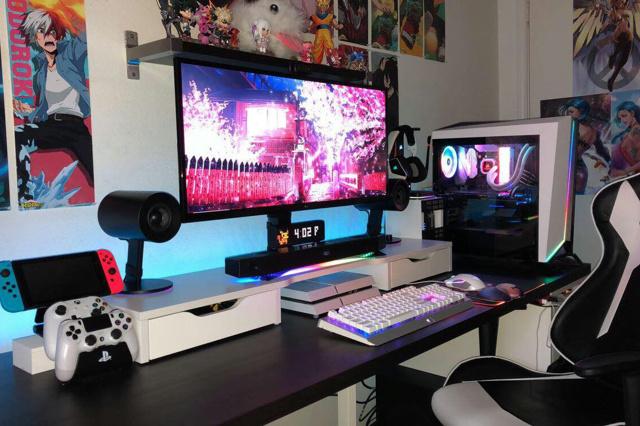 PC_Desk_UltlaWideMonitor37_85.jpg