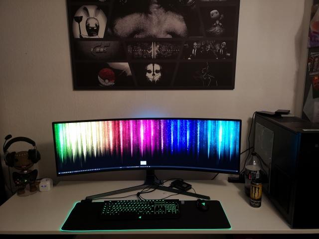 PC_Desk_UltlaWideMonitor37_91.jpg