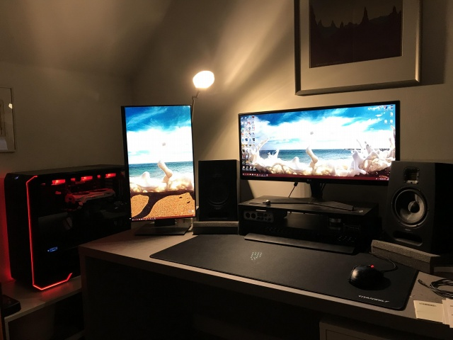 PC_Desk_UltlaWideMonitor38_02.jpg
