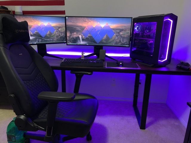 PC_Desk_UltlaWideMonitor38_15.jpg