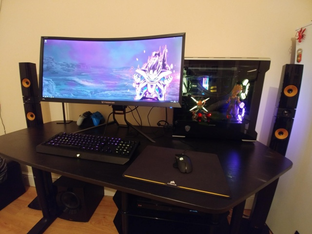 PC_Desk_UltlaWideMonitor38_68.jpg