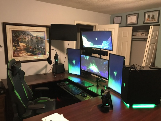 PC_Desk_UltlaWideMonitor39_14.jpg