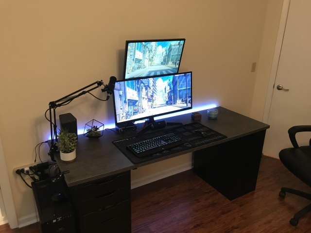 PC_Desk_UltlaWideMonitor39_24.jpg