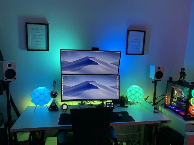 PC_Desk_UltlaWideMonitor39_34.jpg
