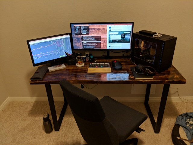 PC_Desk_UltlaWideMonitor39_56.jpg