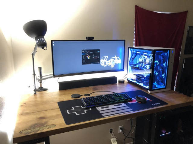PC_Desk_UltlaWideMonitor39_66.jpg