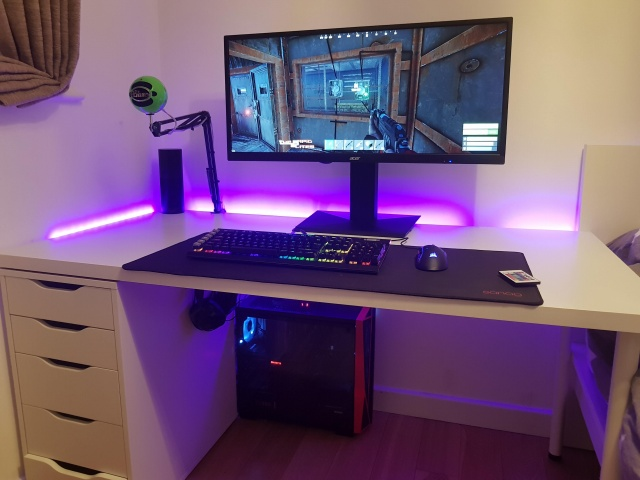 PC_Desk_UltlaWideMonitor39_74.jpg