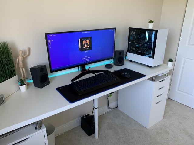PC_Desk_UltlaWideMonitor39_87.jpg