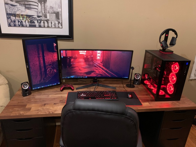 PC_Desk_UltlaWideMonitor40_30.jpg