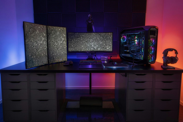PC_Desk_UltlaWideMonitor40_65.jpg