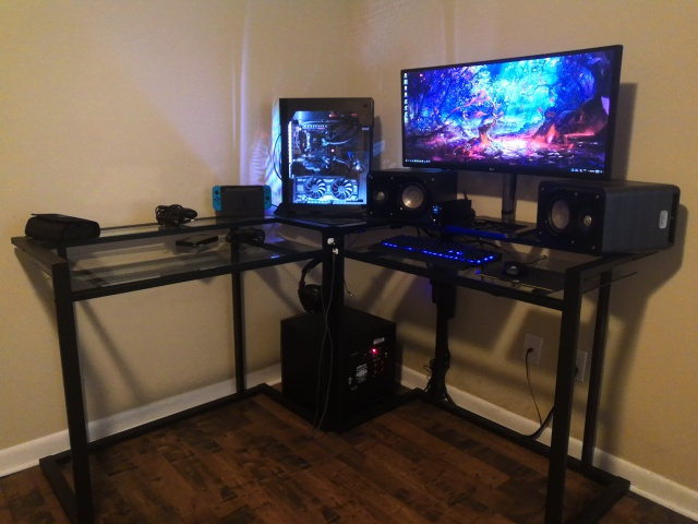 PC_Desk_UltlaWideMonitor40_80.jpg