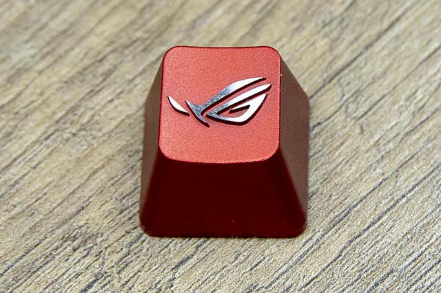 ROG_Gaming_Keycap_Set_03.jpg