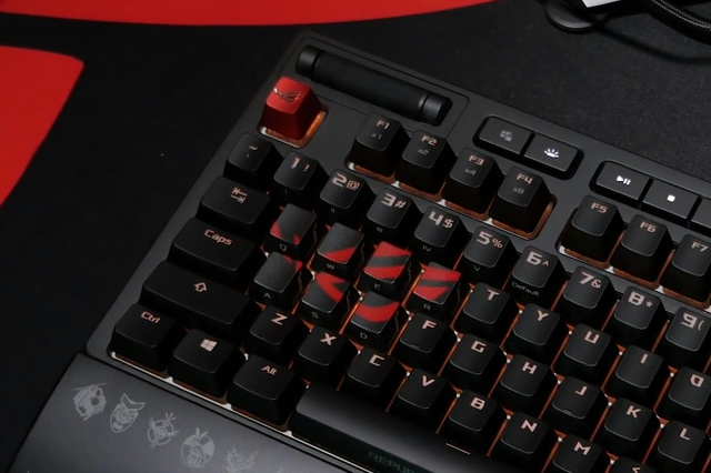 ROG_Gaming_Keycap_Set_04.jpg