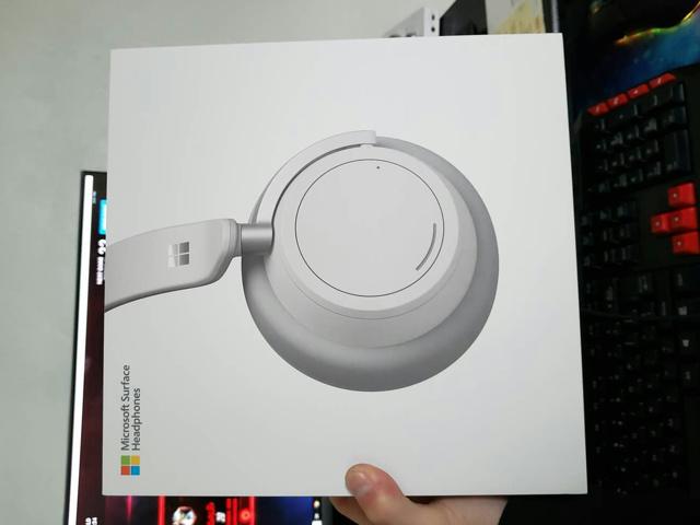 Surface_Headphones_01.jpg